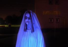 Zombietrail 2018 Dansend bruidsmeisje