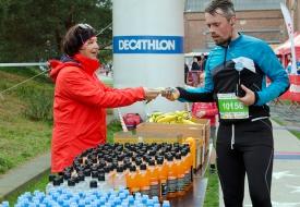 Park Sppor Noord Stratenloop aankomst drank en fruit